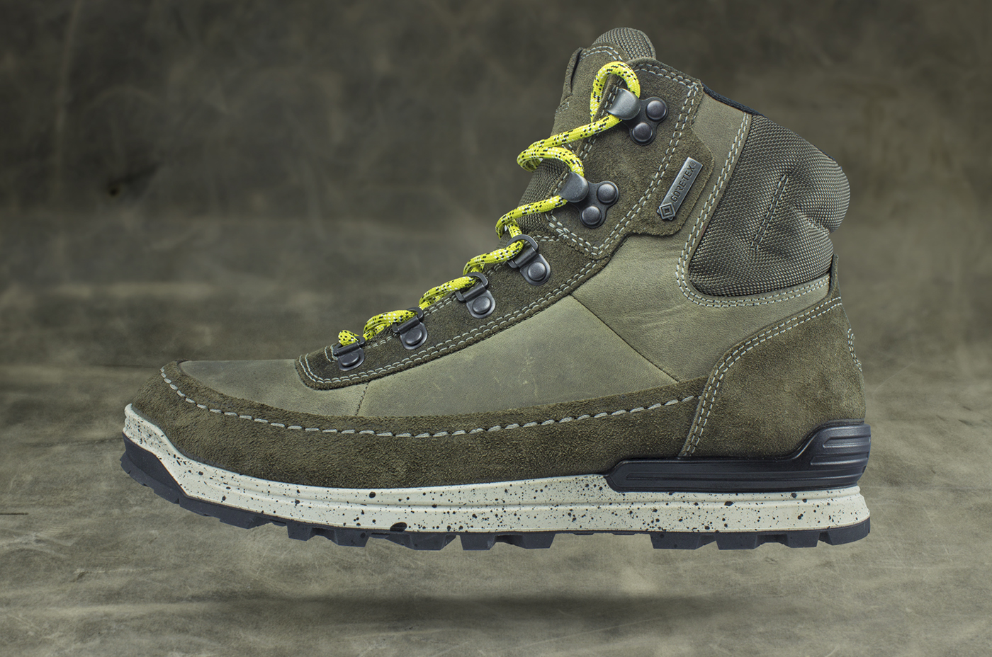 22f99a68850b ECCO   Oregon. Retro inspired hiking boot