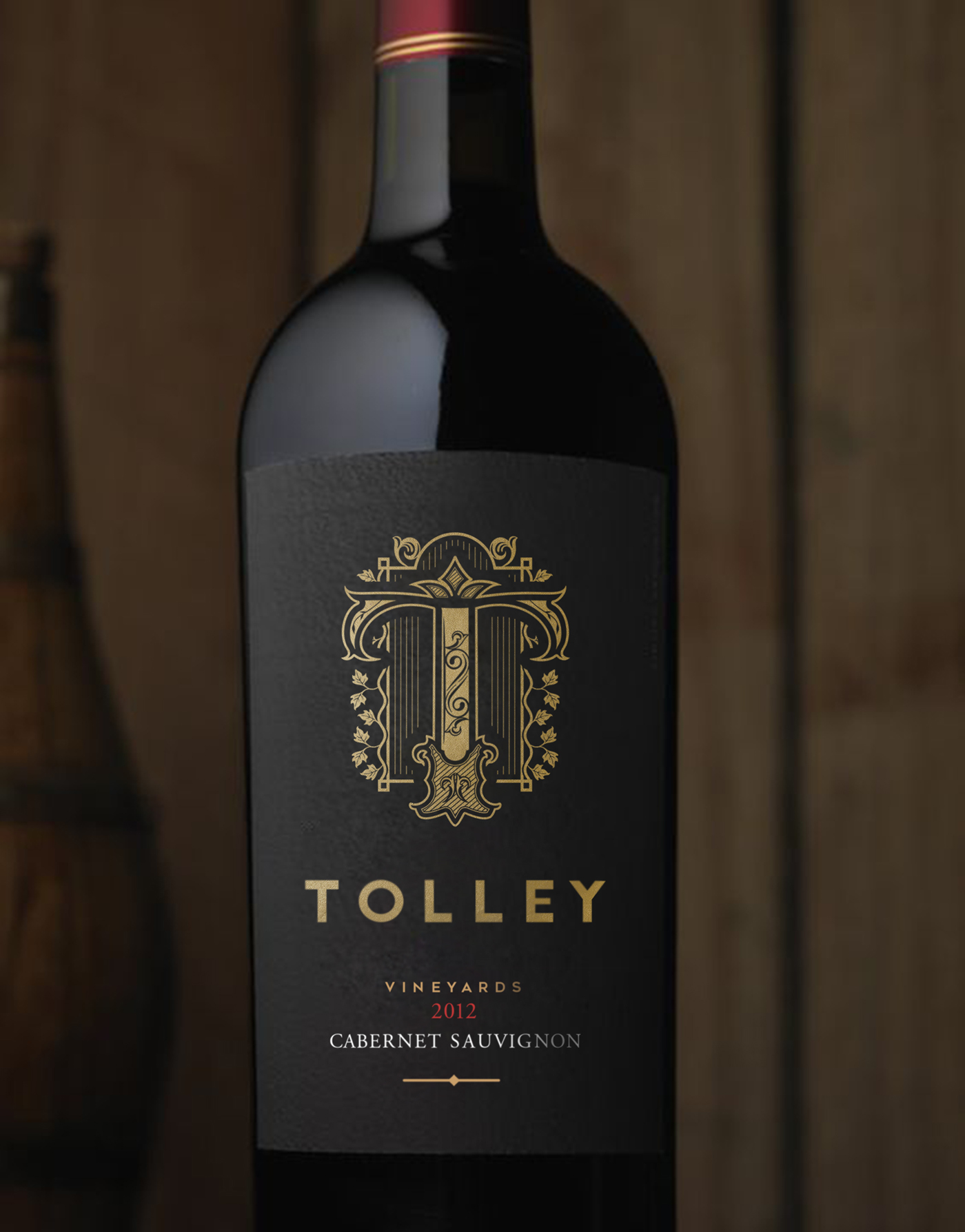 vine wine vineyard vinery grape vine bottle vine label T monogram typography