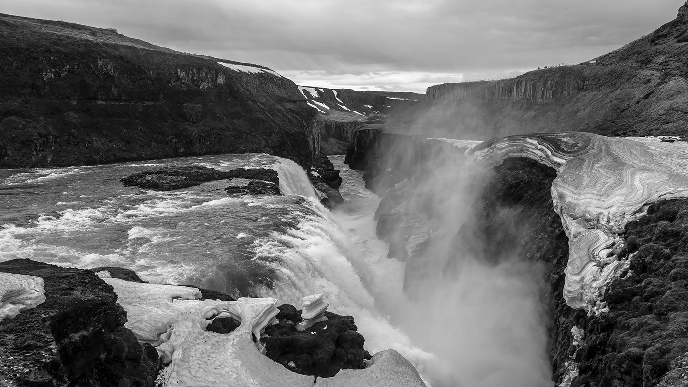 iceland Landscape moutains water ice cold Sun waterfall