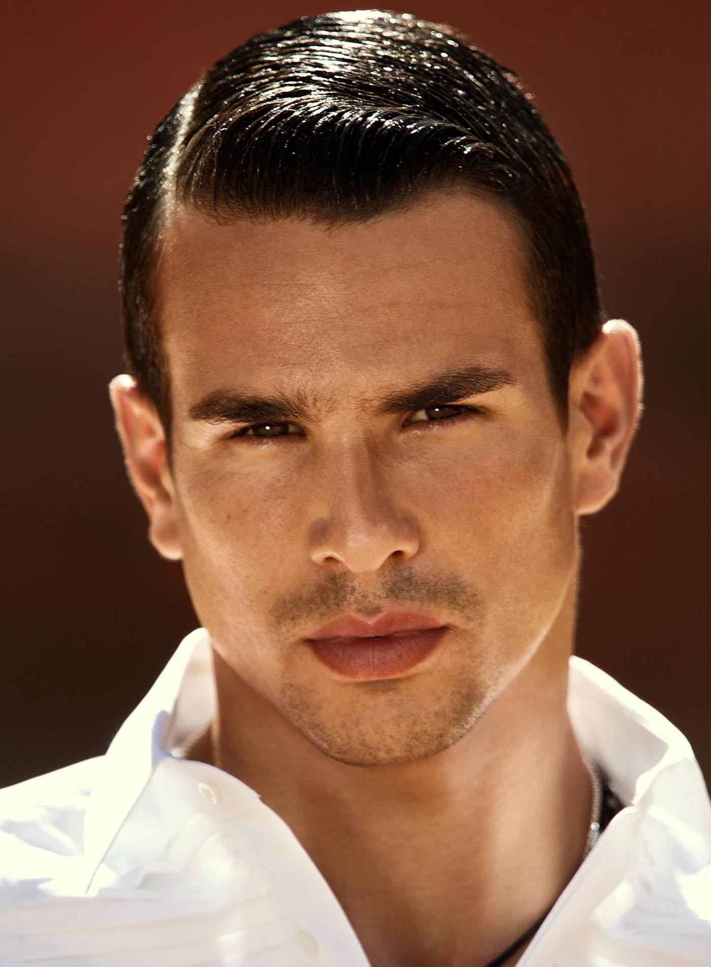 фото испанских мужчин особенности внешности народу полно