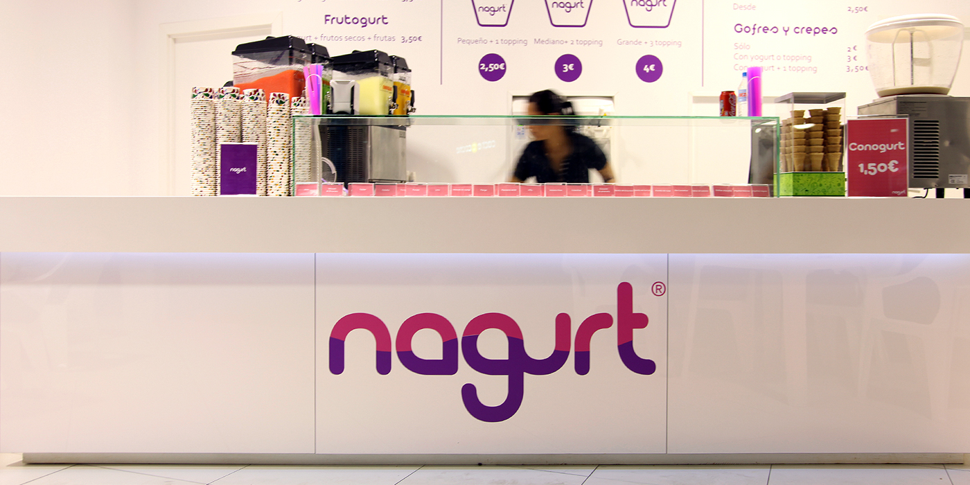 yougurth smothie yogurt natural frozen ice cream fresh sweet pink purple