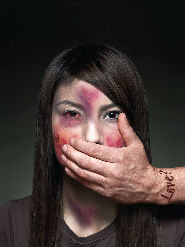 spouse abuse essays What is domestic violence domestic violence is a pattern of abusive behavior directed at a former or current partner, spouse, or boyfriend or girlfriend the abuser uses fear and intimidation to gain power and control over the other person.