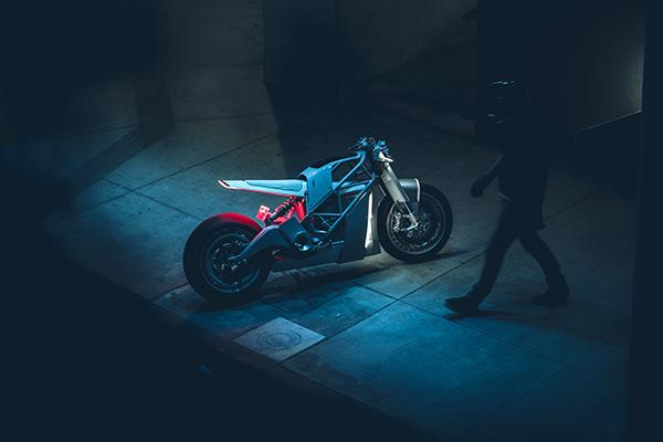 ZERO / UNTITLED MOTO