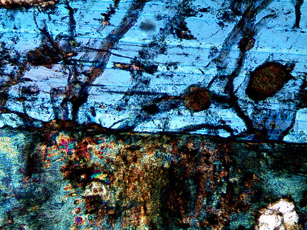 microscope,polarized light,crystal,earth,thin sections,geology