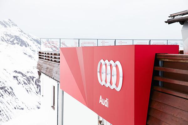 Designliga Audi quattro austria munich ingolstadt hut hütte alps staging Inszenierung Innenarchitektur Fassade