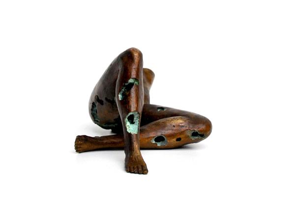 Zagara sculpture model nude bronze female concept Soil of Ardour Inside insight dutch Dutch design  durable Sustainable