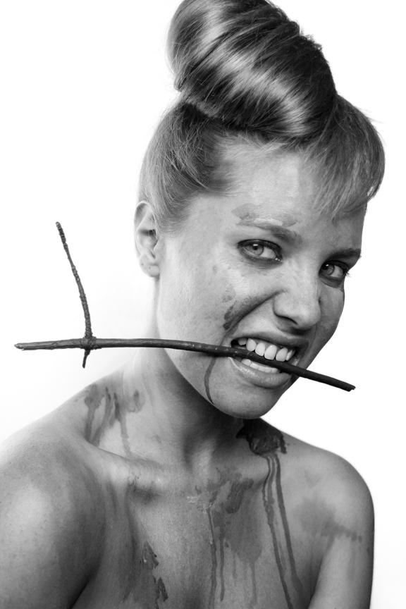 self-portraiture,goldfish, Costumes,characters,Audrey Hepburn, Wood, ice, primitive
