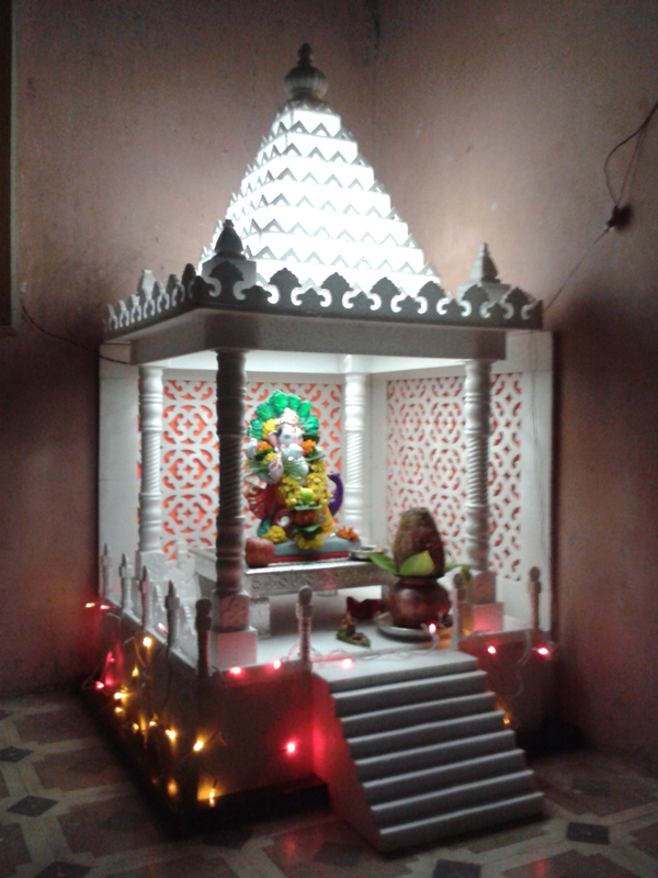 Beautiful Home Temple Design Pictures - Amazing House Decorating ...