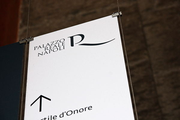 Segnaletica palazzo reale di napoli on behance for Design ufficio napoli