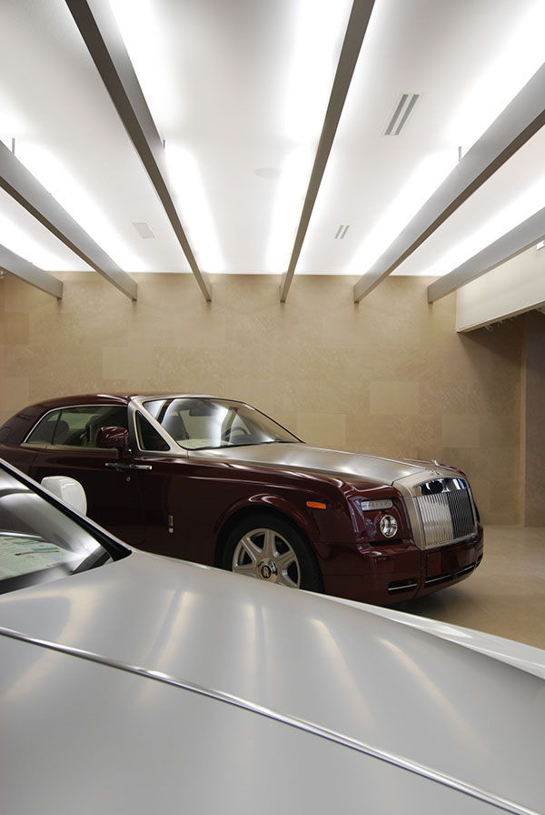 Rolls royce on behance for Rolls royce motor cars tampa bay