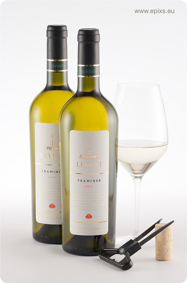 best wine label designs of 2012 by the labelmaker on behance