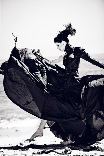 mother of london  Photography Zhang Jingna black and white fashion photography gothic Haute couture