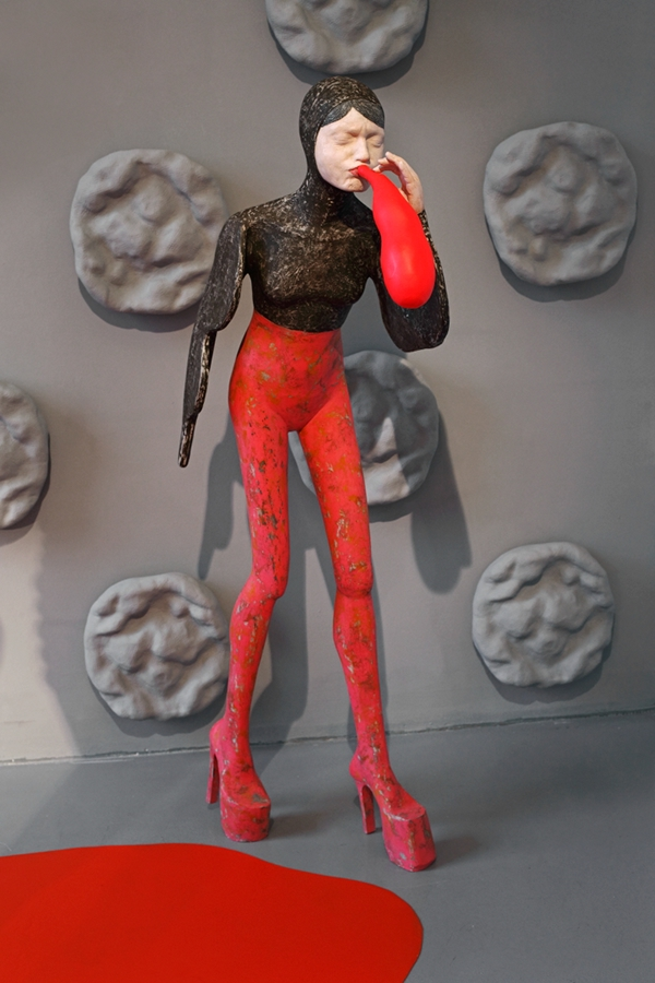 ceramic,sculpture,installation