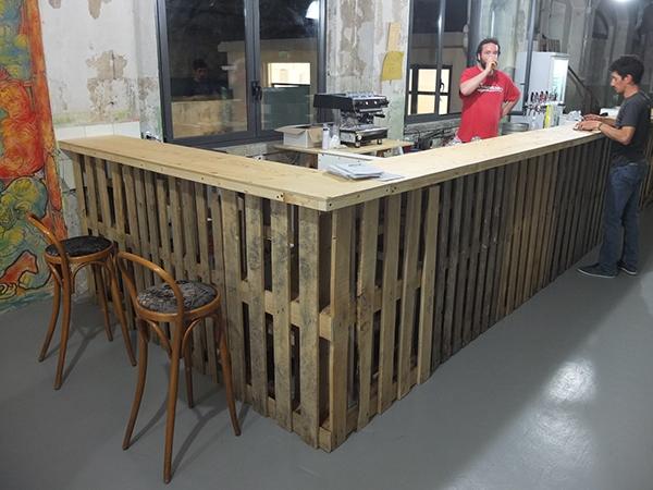 Samo banco bar on behance for Rivestimento bancone bar fai da te