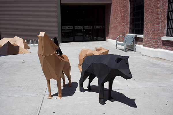 cardboard wolves wolf lowpoly LOW poly 3D art artwork handmade handcrafted crow animal sculpture fold
