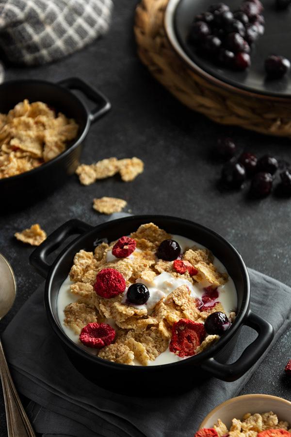 Healthy breakfast with oat bowls
