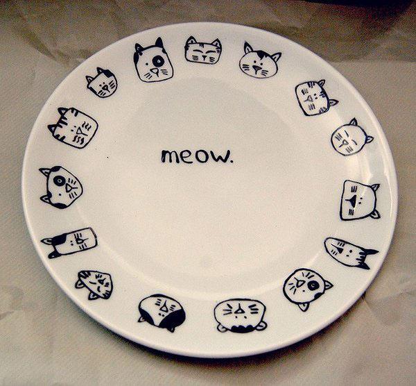 handpainted plate plates porcelain Pottery KITCHENWARE animals hug ceramic houseware Eating  Food  kitchen housedecor