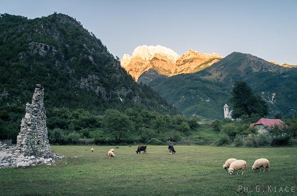 Theth il villaggio remoto delle alpi albanesi