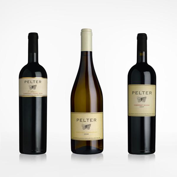 identity Logo Design Boutique Winery winery wine Israeli wine Clean Design boutique design package design  label design butterfly יקב בוטיק לוגו ישראלי יין ישראלי טיפוגרפיה