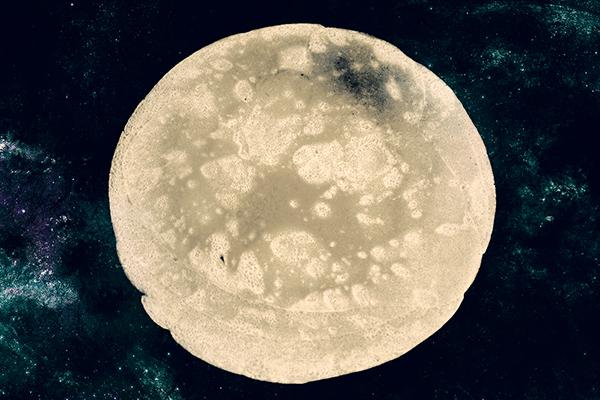 moon Space  pancake cooking