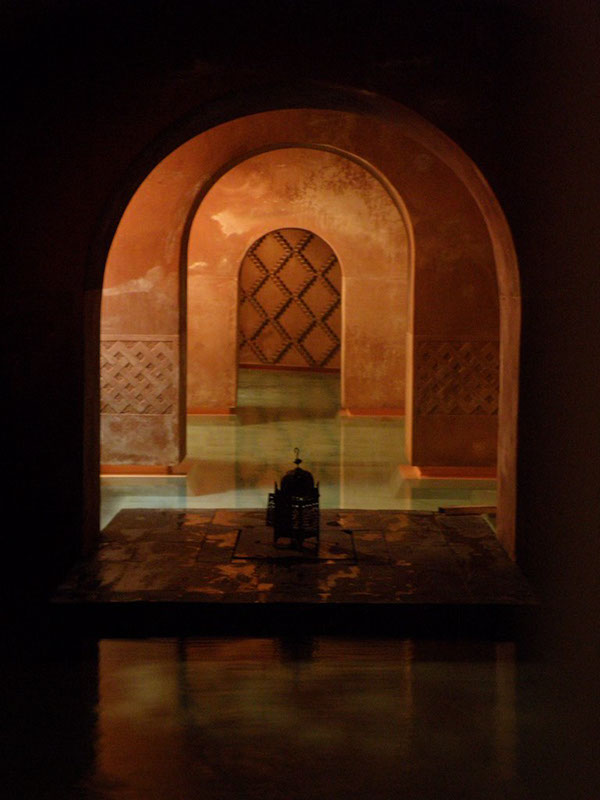 Ampliaci n local para ba os rabes hammam madrid on pantone canvas gallery - Banos arabes atocha ...