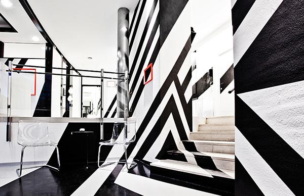 Druckwelle hairdresser w permanent unit on interior for Straight line interiors