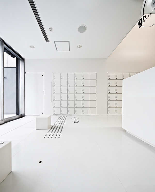 9h nine hours capsule hotel kyoto on behance for Design hotel kyoto