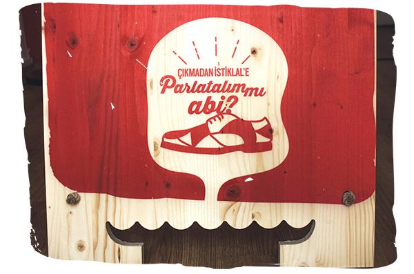 boyacı istanbul ahşap wood shoe shoneshine shine yakısmaz beyoglu istiklal graphic ayakkabı beyogluvitrini Vitrin