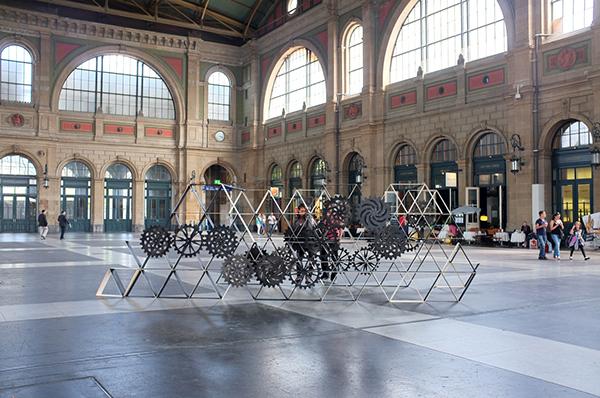 interactive  installation fine art SBB Zurich kinetic public art