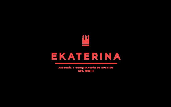 Ekaterina yekaterina eventos planner organizacion coordinación wedding party Boda crown corona ek monogram people sitting