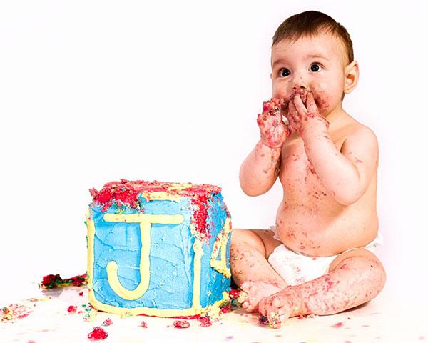 Janu Xander Cake Smashing On Behance
