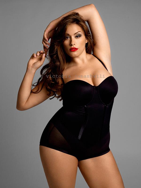 nude editorial with plus size model Jennifer Maitland on