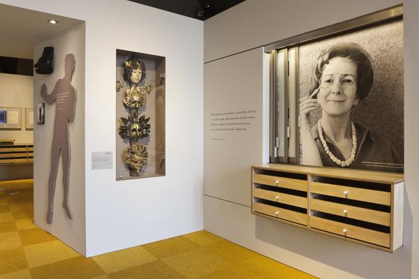 Szymborska szymborska's drawer Exhibition  Plywood Print Szolayski House showcase glasscase