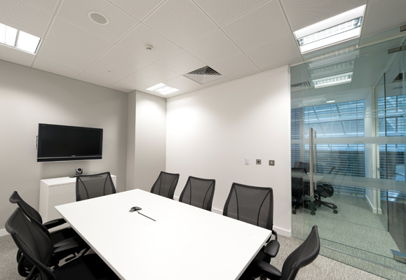 Alpari 39 s london office 201 bishopsgate on interior for Interior design 75063