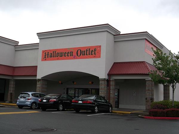 halloween outlet renton wa