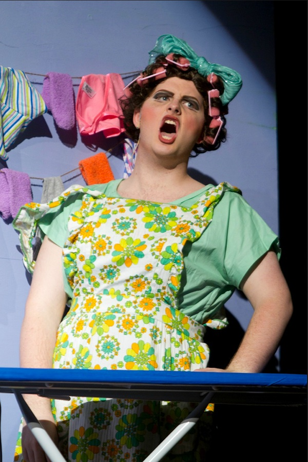 how to play edna turnblad