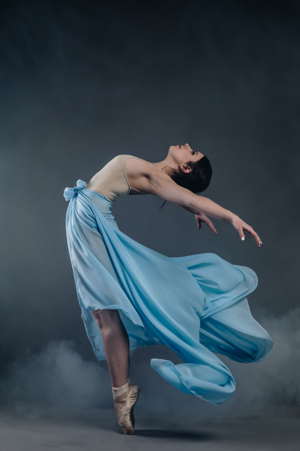 2cf94f9d7a0a Dance and fly. By Paloma Barret. Models   Ophélie Rousseau and Mathilde  Méritet