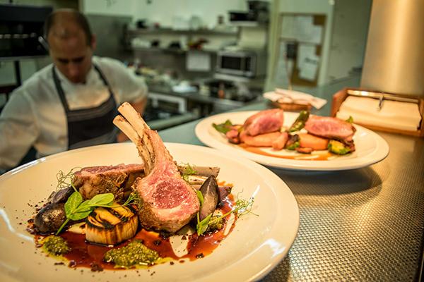 Photoshoot for Plateau Bar + Eatery