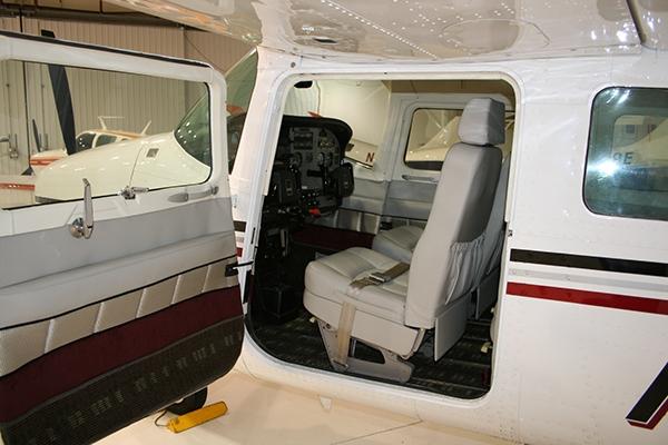 Cessna 210 aircraft interior redesign on behance for Aircraft interior designs