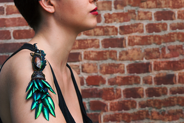 Lookbook fashionstyle gold jewelry design model elytra beetle wing beetle wing hairclip brooch Necklace neckpiece