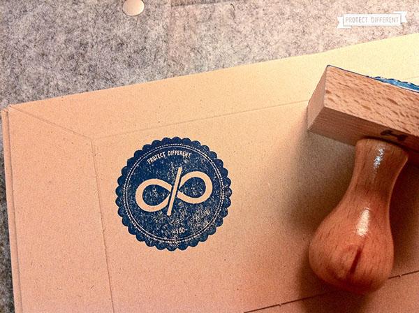 protect different Webdesign identity sleeve macbook iPad logo