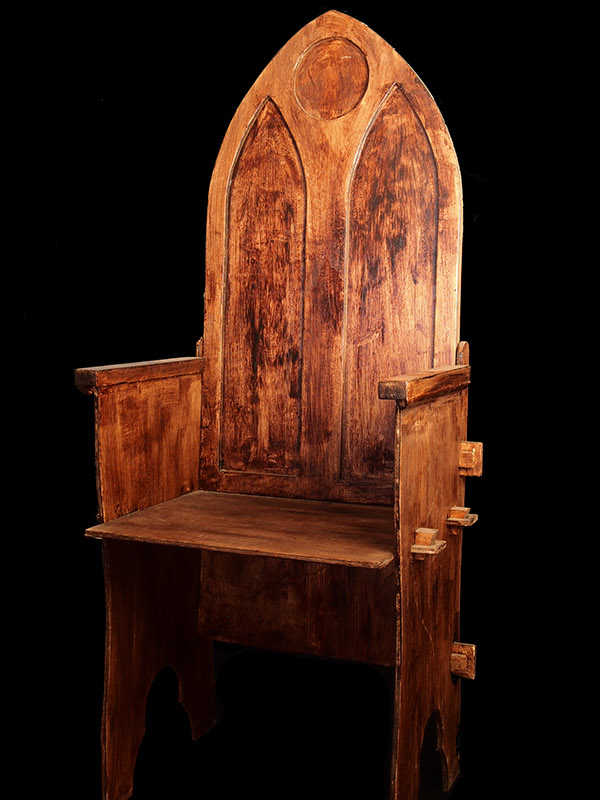 Image gallery wooden throne for Throne chair plans