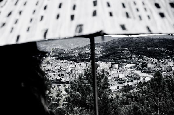 carlos valencia fotografo môf lasinverguenza paraguas ourense