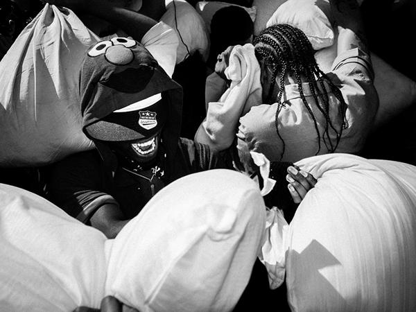 Pillow Fight New York 2014 pillow Washington Sq pillow black White ricoh federico chiesa Leica Canon Original fight funny