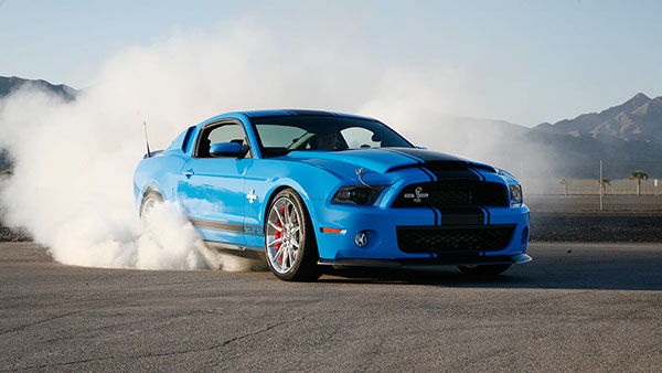 Shelby gt500 super snake burnout photography on behance sciox Image collections