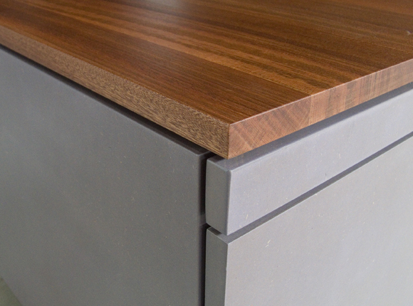 Tetrons Lijmbach Leeuw vormgeving product dutch eindhoven coffee table table storage furniture Interior wood mahogany color colour detail hardwood Playful slide table top liquor-cabinet liquor cabinet drawers bottles glasses compartments removable trays hidden underneath peculiar duo