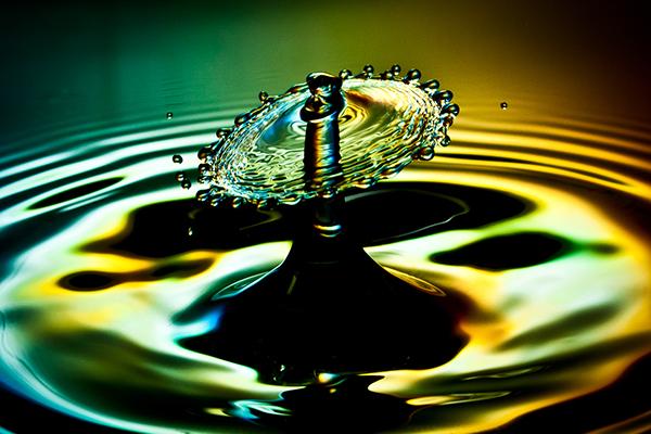 high speed photography High Speed Water Drops water milk liquid art liquid sculptures liquor sculptura light color light splash macro drop collision waterdrop collision