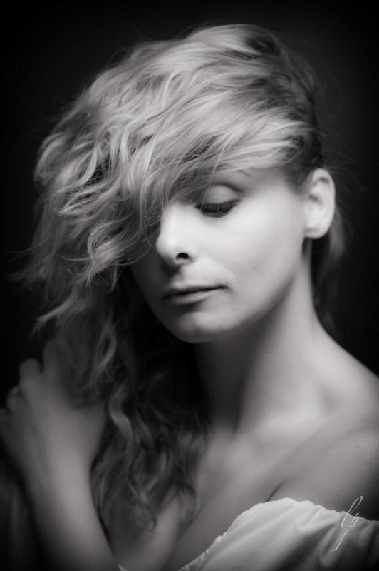 portrait headshot Jessica Lark black and white feminine