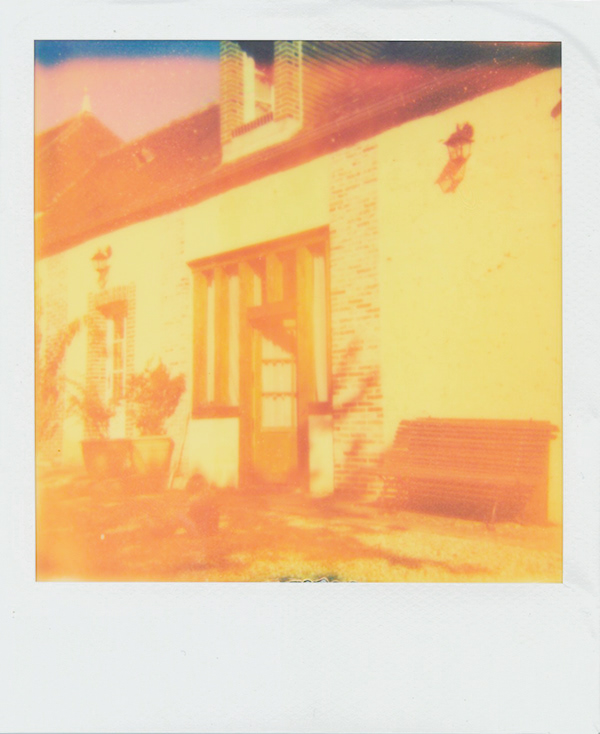 home POLAROID Window house