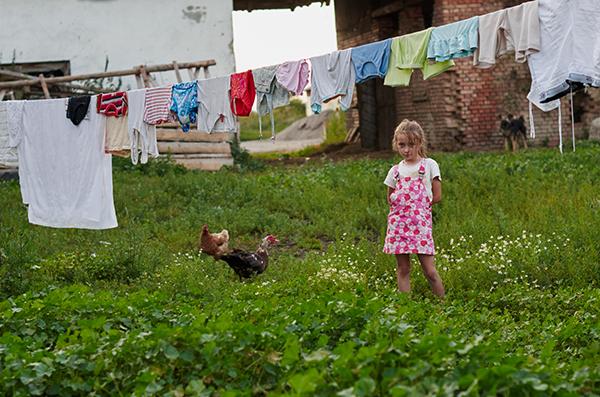 gipsy kids child children alone poor Poverty romania gypsies eye Documentary